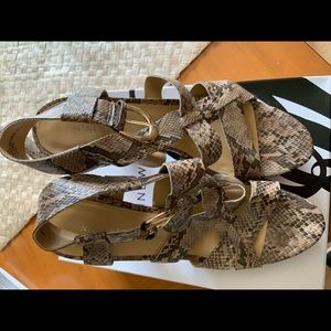 Nine West heel sandals snake skin size 8.5
